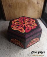 Celtic Knotwork Wooden Box2 by GatoPretoArtesanato