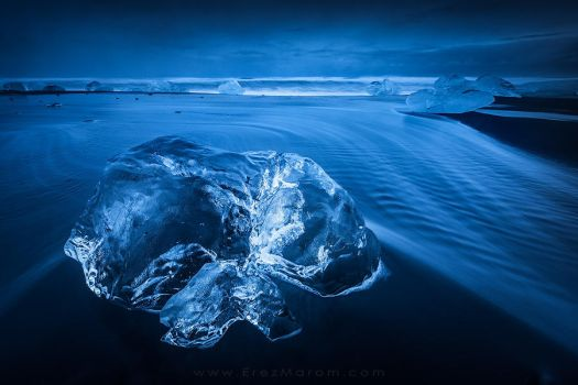 The Solemn Iceberg by erezmarom