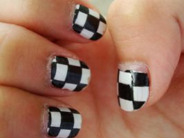 checkered fingernails by blubooelle