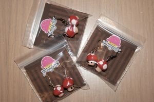 mushroom earrings by elainewhy