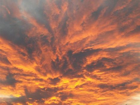 Sky in fire... by Autheane