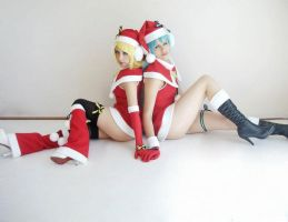 Miku Hatsune and Rin Kagamine by Zettai-Cosplay