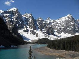 Moraine Lake 2 by squishysart