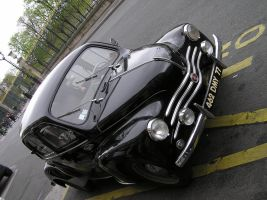 Une Voiture Ancienne by TheMightyQuinn