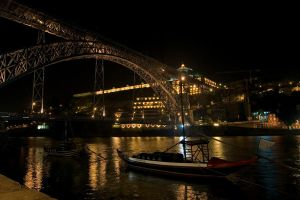 Ponte Luis I at night by camabs