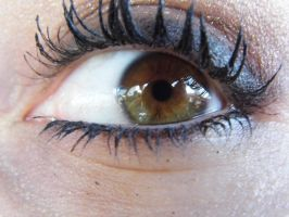 My sister's BEAUTIFUL eye by kaceymears