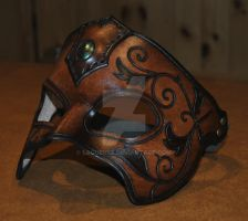 leather mask by Lagueuse