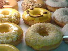 Smiling Donut.. by Chibi-gackt