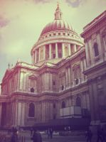 St. Pauls Cathedral II by neapolitanerwaffel