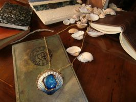 Serenian necklace - showing off Myst props by laughingpineapple