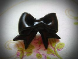 Bow pin by Green-Romance