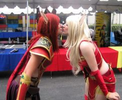 Blood Elf Kisses by Ky77yn