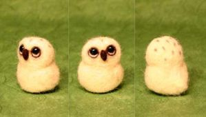 Needle felted snowy owl by Sofakitty