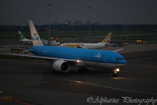 Schiphol Airport 5 by Alpharius-Omegon