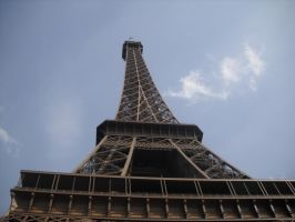 Eiffel Tower by Mysteriouspizza