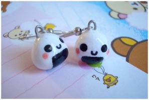 Onigiri Earrings II by chocowaffle