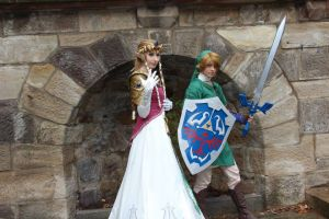 Link and Zelda Cosplay by awesome-Kathi