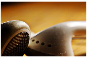 headphones macro by danniolsen