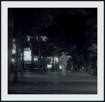 Walking the night by quevedo3