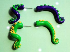 Day of the Tentacle earrings by Sakiyo-chan
