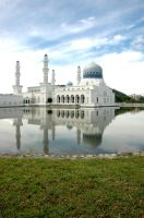 Mosque in the middle of Pond by naughtykid001