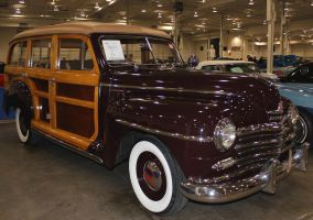 48 Plymouth Woody by boogster11