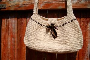 Crochet Hobo Bag by Thisandthatcreations