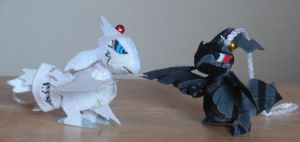 Reshiram and Zekrom by mukuburd