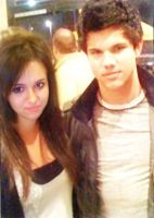 Taylor Lautner next to me by zvunche