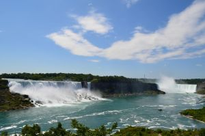 Plumes of the Niagara 3 by Cypselurus