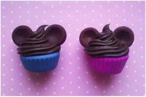 mickey mouse cupcakes by Miyaka89