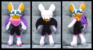 Rouge the Bat by Patchwork-Shark