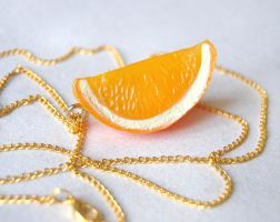 Orange slice necklace by Madizzo
