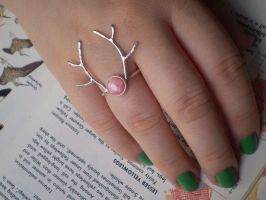 Antler ring by bionic-dingo