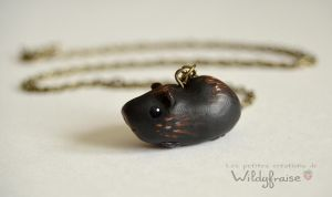 Guinea pig necklace black by Wildyfraise
