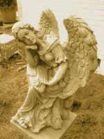 Antique Angel Statue by FroggieFaith