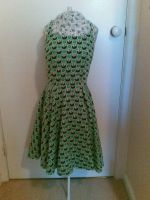green 'housewife' dress by tanmei