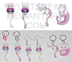 Mewtwo and Mew - Charms 'n' Earrings by Myuutsufan