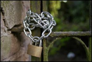 chain heart by pyros