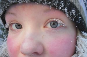 Winter eyes by Uncle-Sarah