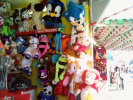 Sonic and Tails Toy Prizes at the Fair by DerpyDash64