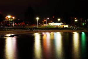 Wollongong Harbour at Night. by giney-kill