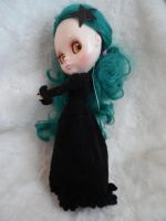 Hand knit long coat for Blythe by kivrin82