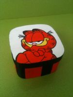 Garfield wooden box by anapeig