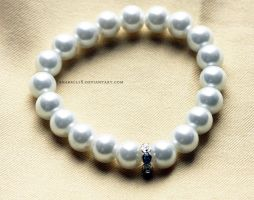 Bransoletka .white pearl. by anabell18