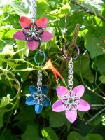 Scale Flower Keychains by Silkyprime