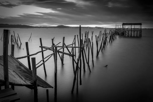 .: Old Pier :. by hugogracaphotography