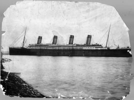 Super old Titanic photo by 121199