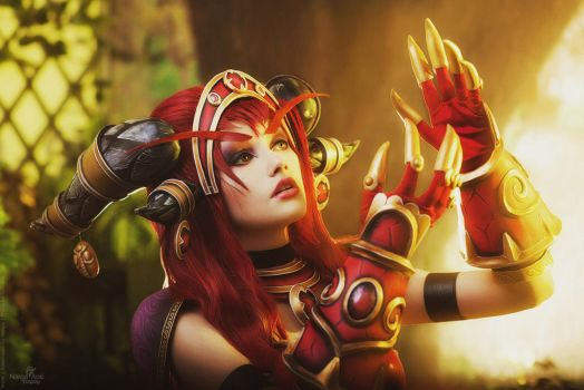 Alexstrasza cosplay - Life goes on by Narga-Lifestream