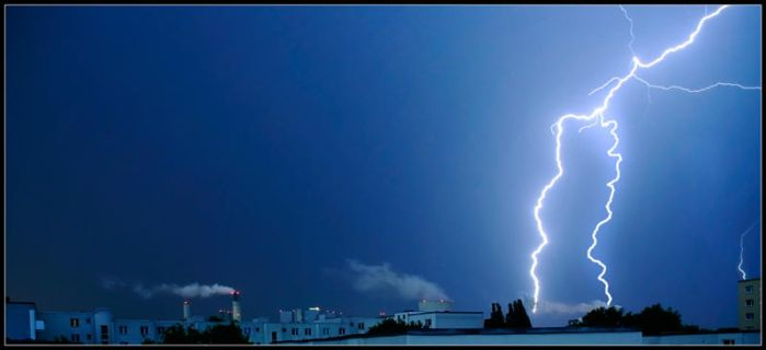 Thunderstorms by TilluT